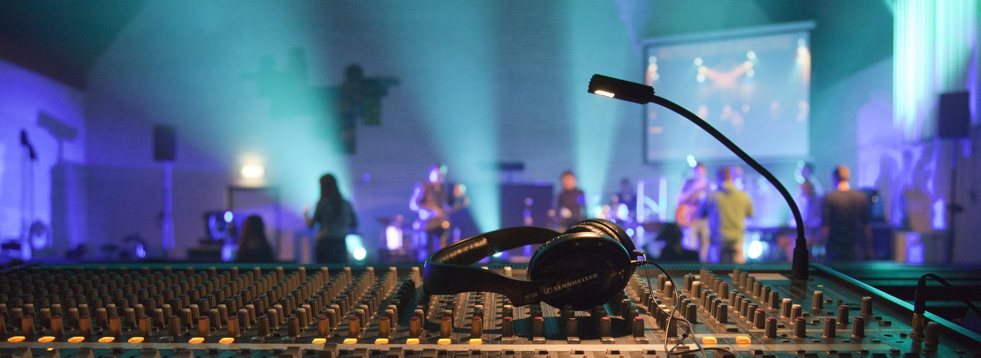 Seven-Music